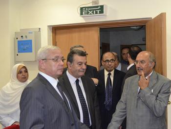 وزير التعليم العالي ومحافظ القليوبية ورئيس جامعة بنها يتفقدان مستشفيات بنها الجامعية