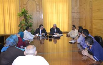 وزير التعليم العالي يلتقى بالعاملين بجامعة بنها