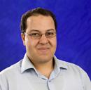 مبروك ... د/ أحمد فرج يحصل على جائزة أ.د/ فايزة الخرافى فى الفيزياء