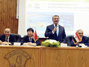 Benha University receives the largest-ever academic delegation from Huazhong Agricultural University, China