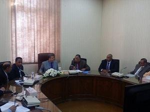 رئيس جامعة بنها يجتمع مع مجلس إدارة نادى أعضاء هيئة التدريس