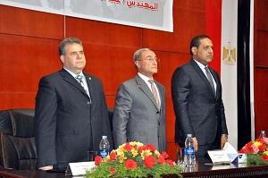 رئيس جامعة بنها للطلاب : التعليم هو قضية مصر فى المرحلة القادمة ولابد من الحضور والإنتظام في الدراسة بجدية لأنه شرط التفوق