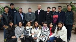 رئيس جامعة بنها يلتقى بالطلاب الصينيين الراغبين فى تعلم العربية