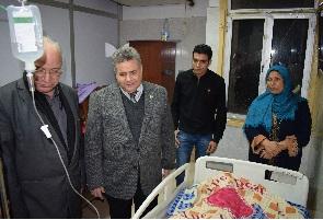 رئيس جامعة بنها يتفقد المستشفى الجامعي ليلاً