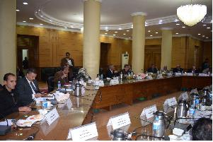 مجلس جامعة بنها يوافق على ترشيحات كليات الجامعة لجائزتي التقديرية والتفوق
