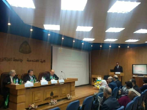 خلال زيارته جامعة الزقازيق:رئيس جامعة بنها يناقش رسالة ماجستير بكلية الهندسة