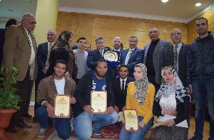 مجلس قيادات بنها يكرم طلاب المركز الأول في مؤتمر شباب الباحثين