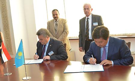 توقيع مذكرة تفاهم للعلاقات الدولية بين جامعة الفارابي كازخستان الوطنية وجامعة بنها