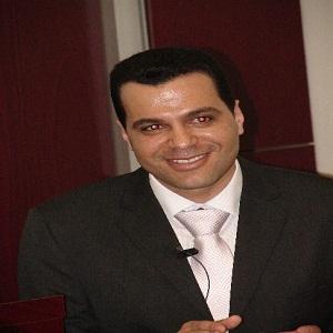 حصول الدكتور عبدالفتاح منجد على جائزة الهيئات والأفراد