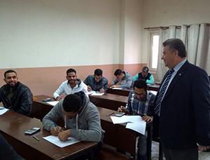القاضي يتفقد الامتحانات في ثلاث كليات بجامعه بنها