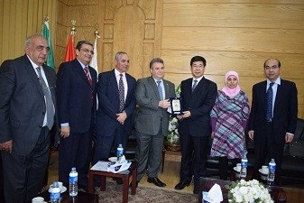 El-kady hosts the delegation of the capital Chinese University and stresses on the importance of cooperation between Benha University and Chinese Universities