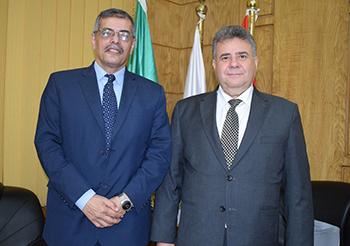 القاضي يهنيء مغربي بمنصبه الجديد