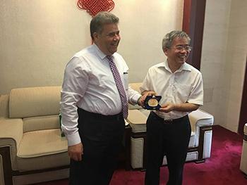 جامعة بنها تبدأ الشراكة مع جامعة بكين للغابات بمنح درجه علميه مشتركه