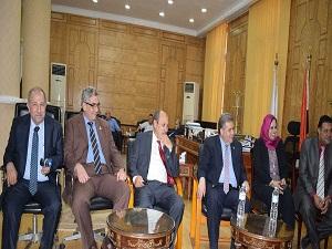 القاضي يستقبل عدداً من أساتذة الجراحة في الجامعات المصرية