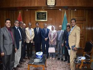 رئيس جامعة بنها يزور الدكتور علاء عبدالحليم للتهنئة بتوليه محافظاً للقليوبية
