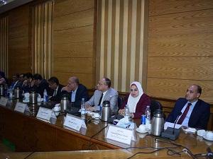 استعدادات العام الدراسي الجديد في مجلس عمداء جامعة بنها