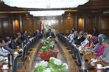 وزير التعليم العالى والبحث العلمي يؤكد ضرورة مضاعفة الجهود للارتقاء بمكانة الجامعات المصرية عالميا