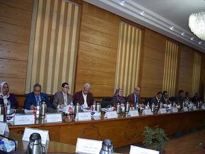 مجلس جامعة بنها يناقش مقترحاً لإنهاء التعاملات الورقية