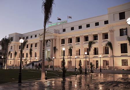 بيان .. جامعة بنها توضح أسباب زيارة الفنان شعبان عبدالرحيم للمستشفى الجامعى