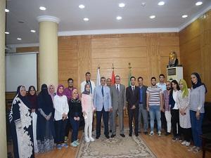 «السعيد» و«المغربى» يلتقيان بوفد جامعة بنها الطلابى المتجه إلى الصين