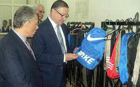 رئيس جامعة بنها: يفتتح معرض مستلزمات المدارس بهندسة شبرا
