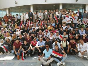 «السعيد » و«المغربى»  يستقبلان  طلاب البرامج الجديدة بفرع جامعة بنها بالعبور