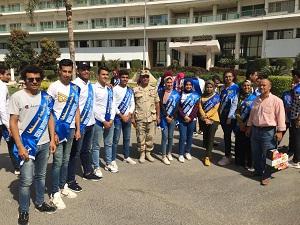 طلاب جامعة بنها يزورون مصابي القوات المسلحة بالمعادي العسكرى