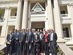 تنفيذاً للمبادرة الرئاسية لإختيار أفضل جامعة مصرية: لجنة تقييم الجامعات تزور جامعة بنها وتتفقد الكليات والمدن الجامعية والمستشفى الجامعى