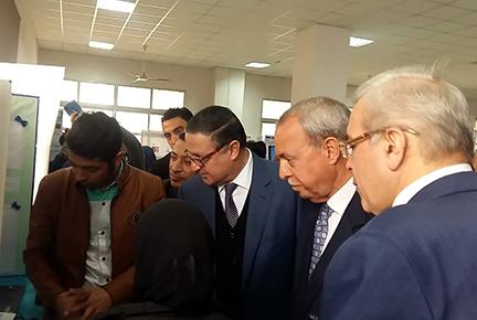 محافظ القليوبية ورئيس جامعة بنها يفتتحان معرض العلوم والهندسة 2020
