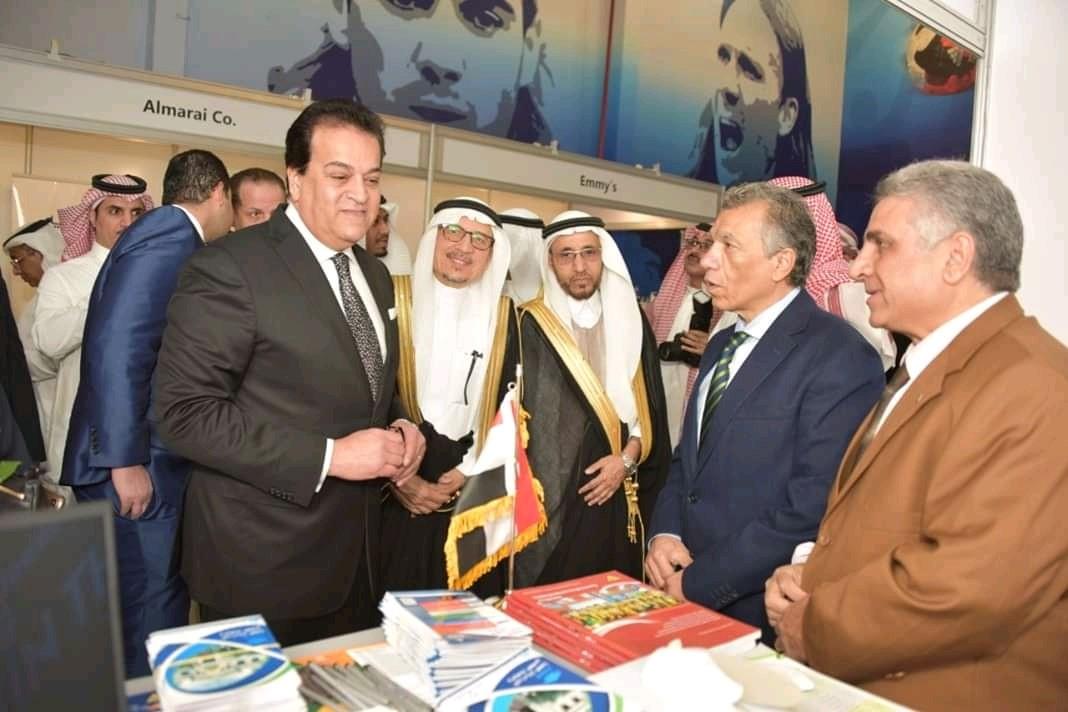 تحت شعار «الثورة الصناعية الرابعة ودور التعليم»: جامعة بنها تشارك بمعرض الخليج بجدة