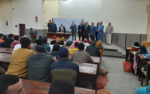 Benha University President inspects Faculties of Commerce and Arts