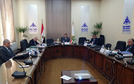 رئيس جامعة بنها يترأس لجنة اختيار عميد كلية الهندسة بشبرا