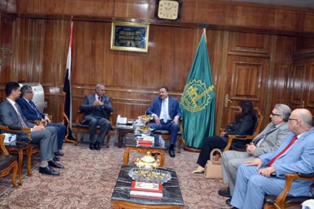 El Qalyubia#39;s Governor and Benha University President discuss Establishment of the University Specialty Hospital