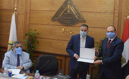 Benha University President Honors Dr Amr Hanafy