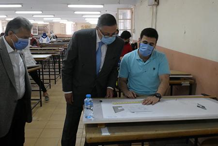 رئيس جامعة بنها يتفقدالإمتحانات بهندسة بشبرا ويفتتح متحف علوم قسم المساحة