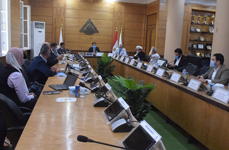 El Gizawy receives a delegate from the Arab Organization for Industrialization