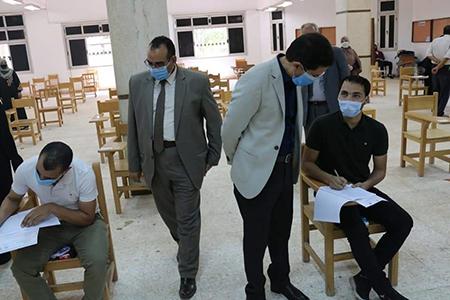 El Gizawy inspects the Postgraduate Studies ' Exams