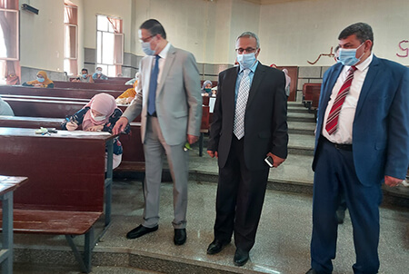 El Saeed inspects the Exams at the Faculty of Science