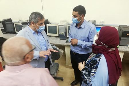 «المغربي» يتفقد معامل التنسيق الإلكتروني بجامعة بنها