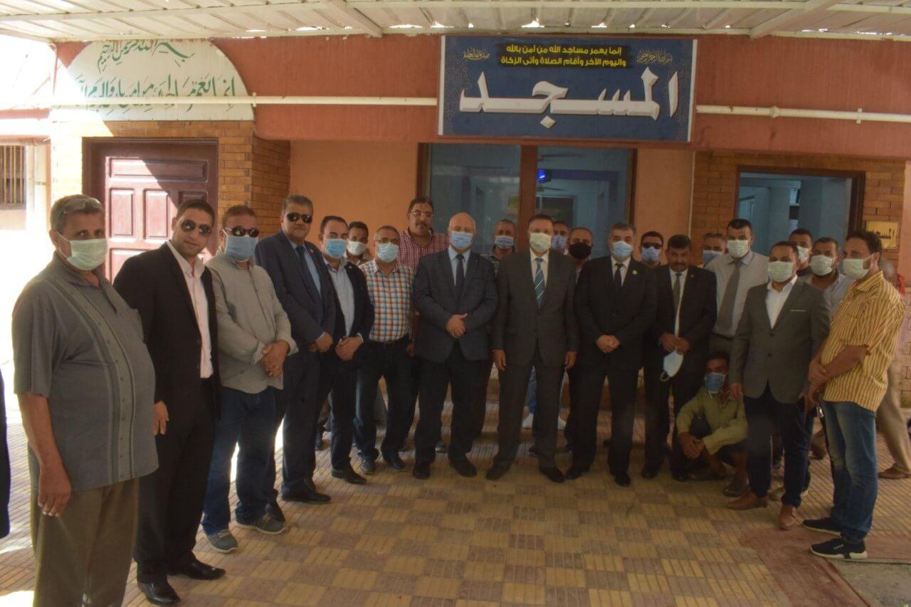 رئيس جامعة بنها : يفتتح مسجد المدينة الجامعية و ورشة إعادة تدوير مخلفات وكسر وبواقى الاخشاب بكفر سعد