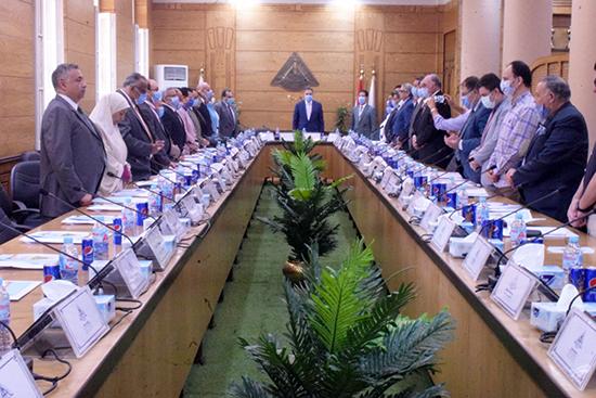 مجلس جامعة بنها يبدأ جلسته بالوقوف دقيقة حداد على أمير الكويت الشيخ صباح الأحمد الجابر