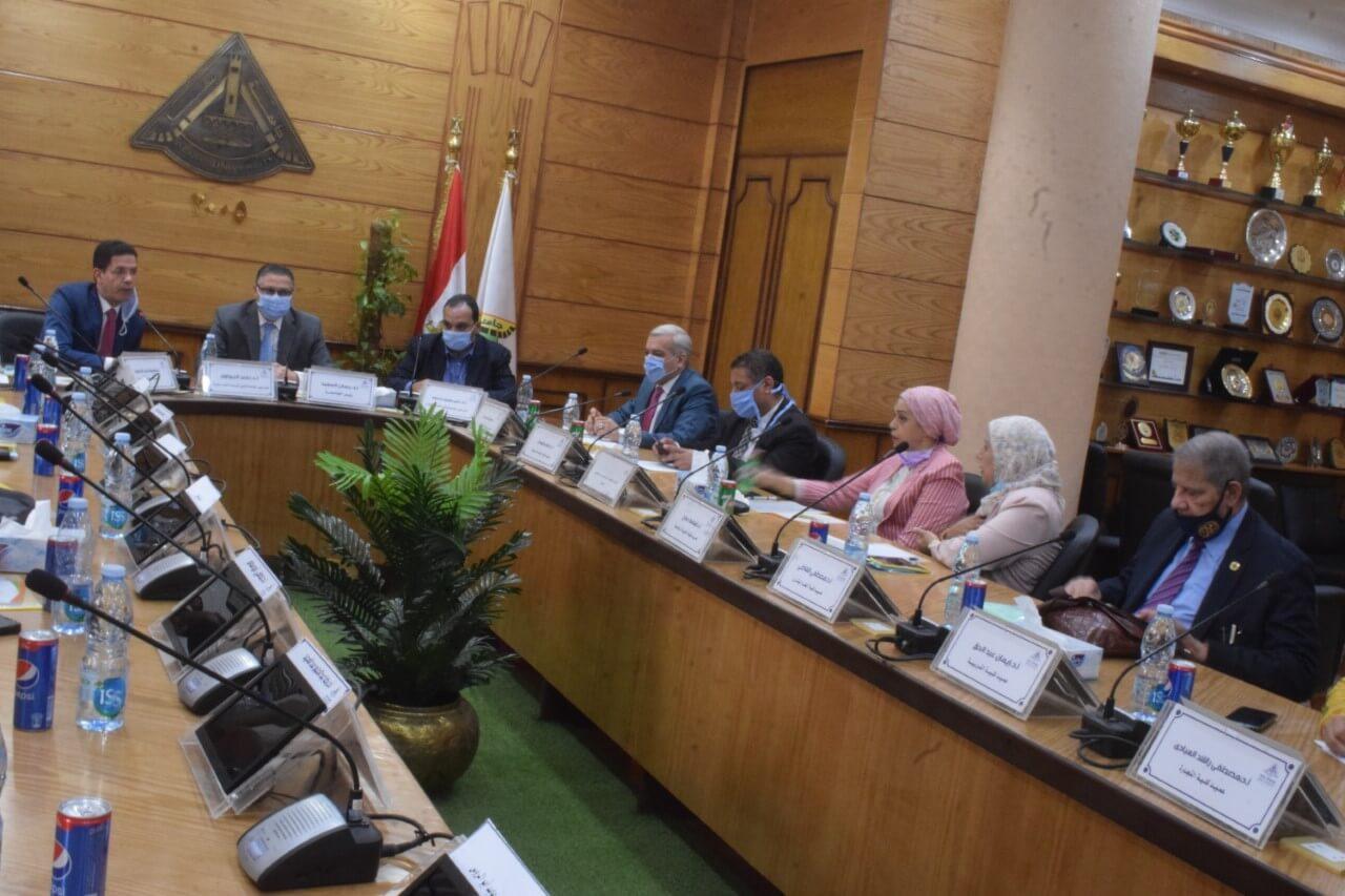 رئيس جامعة بنها : يترأس اجتماع مجلس إدارة مركز ضمان الجودة