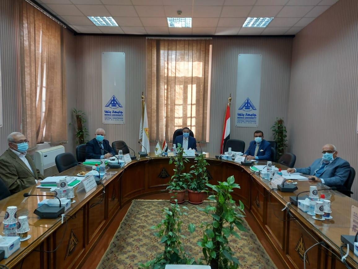 السعيد  يترأس لجنة اختيار عميد كلية الهندسة ببنها