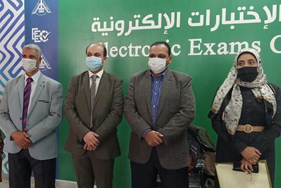 نائب رئيس جامعة بنها لشئون التعليم يتفقد امتحانات طلاب الفرقة الأولى بكلية العلاج الطبيعي