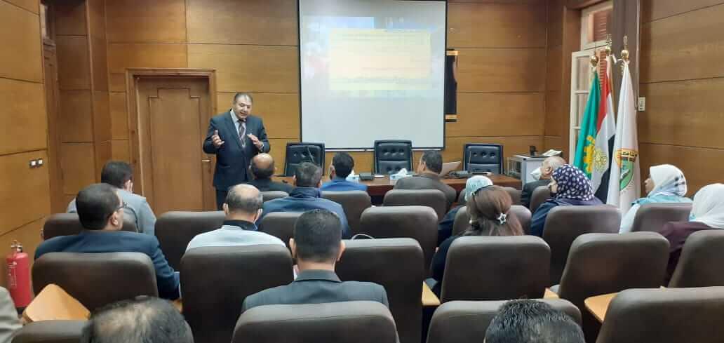 دورات تدريبية للعاملين بالشئون القانونية فى جامعة بنها