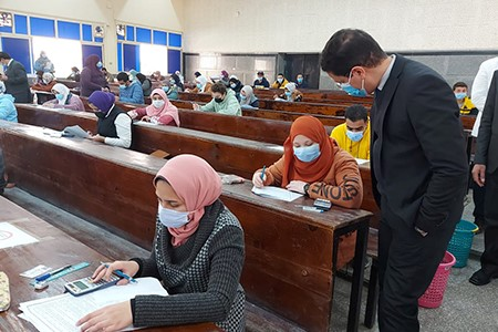 El Gizawy inspects the First Semester Exams at Several Faculties and commends the Precautionary Measures