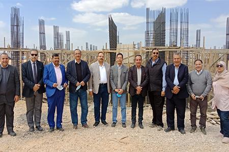 «الجيزاوى» يتفقد أعمال إنشاء مبنى المدرجات ومقر جامعة بنها الأهلية بالعبور