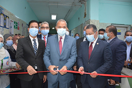 «الهجان» و«الجيزاوى» يفتتحان اعمال تطوير عددا من الأقسام العلاجية بمستشفى بنها الجامعي