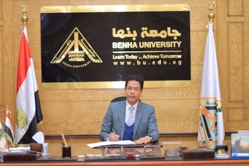 تجديد تعيين مصطفى أبو الدهب أمينا لكلية التجارة