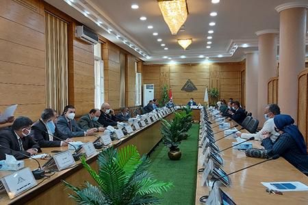 مجلس عمداء جامعة بنها يناقش استعدادات امتحانات نهاية العام الدراسى
